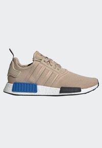 adidas Originals - NMD_R1 SHOES - Sneakers laag - beige - 6