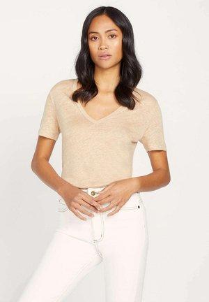 Basic T-shirt - a sable