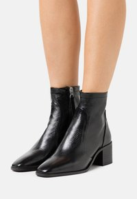 Office - ADDISON - Classic ankle boots - black - 0