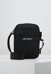 Carhartt WIP - PAYTON SHOULDER POUCH UNISEX - Taška spříčným popruhem - black/white - 0