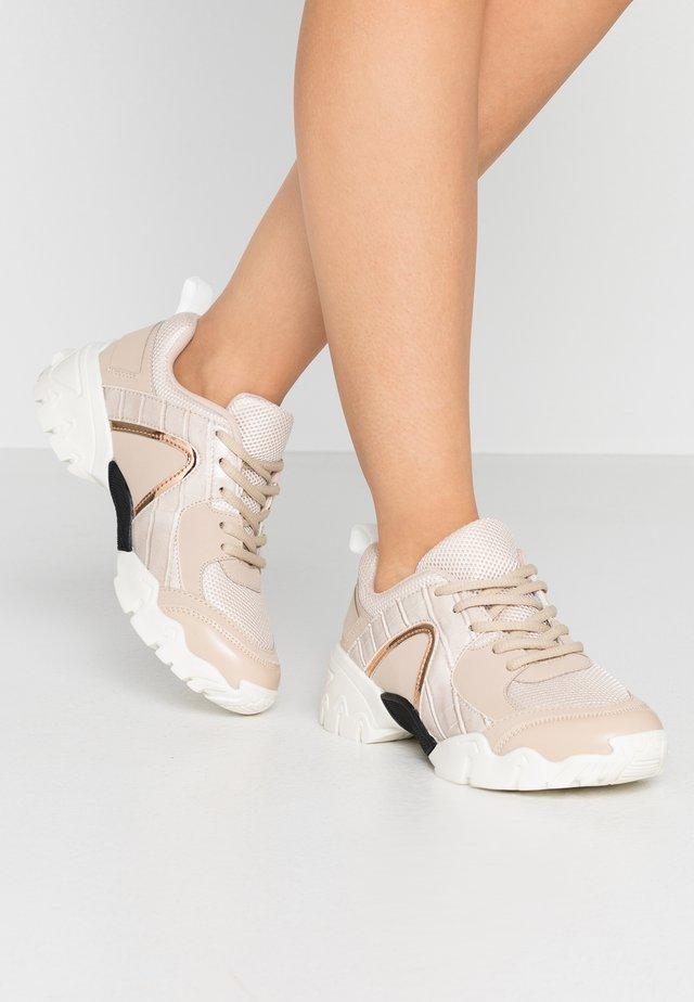 Zapatillas - nude
