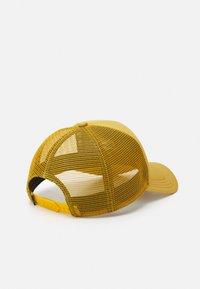 The North Face - LOGO TRUCKER UNISEX - Cap - arrowwood yellow - 1