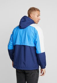Nike Sportswear - Training jacket - midnight navy/pacific blue/light bone/white - 2
