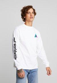 HUF - PRISM TEE - Långärmad tröja - white - 0