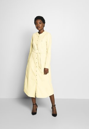 Długa sukienka - beige