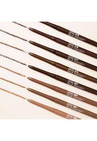3ina - THE 24H AUTOMATIC EYEBROW PENCIL - Eyebrow pencil - 575 warm brown - 3