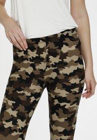 Culture - CUSEMIRA  - Leggings - Trousers - brown camouflage - 3