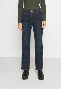 GAP - V BOOT PEARL - Bootcut jeans - dark rinse - 0