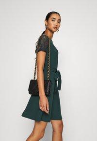 Vero Moda - VMJASMINE LACE TIE SHORT DRESS - Jersey dress - ponderosa pine - 3