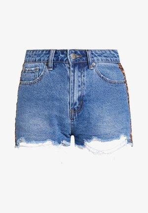 Denim shorts - mid blue