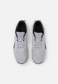 Reebok - CIRCUIT TR - Træningssko - cloud grey/core black/footwear white - 3