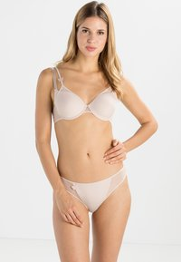 Passionata - MISS JOY DEKORIERTER SPACER - Underwired bra - dune