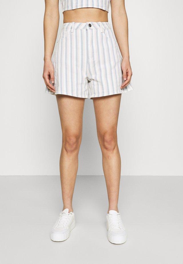 STRIPE DENIM SHORTS - Shorts di jeans - blue