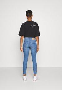 Pieces - PCMIDFIVE - Jeans Skinny Fit - light blue denim - 2