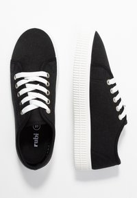 Rubi Shoes by Cotton On - CHELSEA CREEPER PLIMSOLL - Sneakersy niskie - black - 3