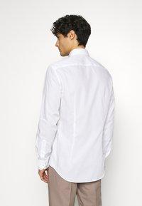 Tommy Hilfiger Tailored - Formální košile - white - 2