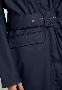 YAS Tall - YASRIVER RAIN COAT  - Regenjas - navy blazer - 5