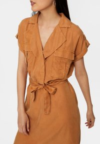 Noisy May - Shirt dress - brown sugar