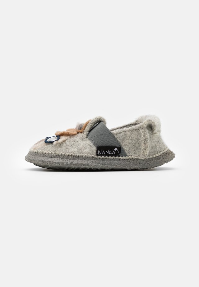 COOLAMA UNISEX - Pantofole - hellgrau