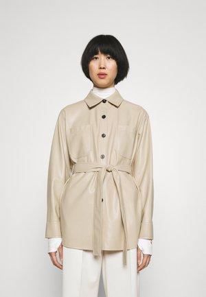 AMITASA - Krátký kabát - light beige