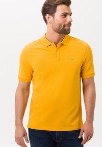 BRAX - STYLE PETE - Polo shirt - honey - 0