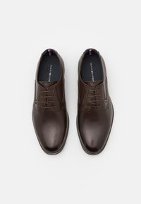 Tommy Hilfiger - CASUAL LACES SHOE - Derbies - cocoa - 3