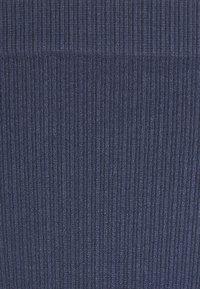 ELLE - SEAMFREE THONG - Thong - crown blue - 2