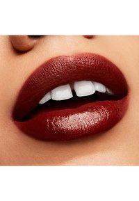 MAC - LOVE ME LIPSTICK - Rouge à lèvres - dgaf - 3