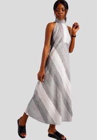 GESSICA - Maxi dress - schwarz und weiß - 4