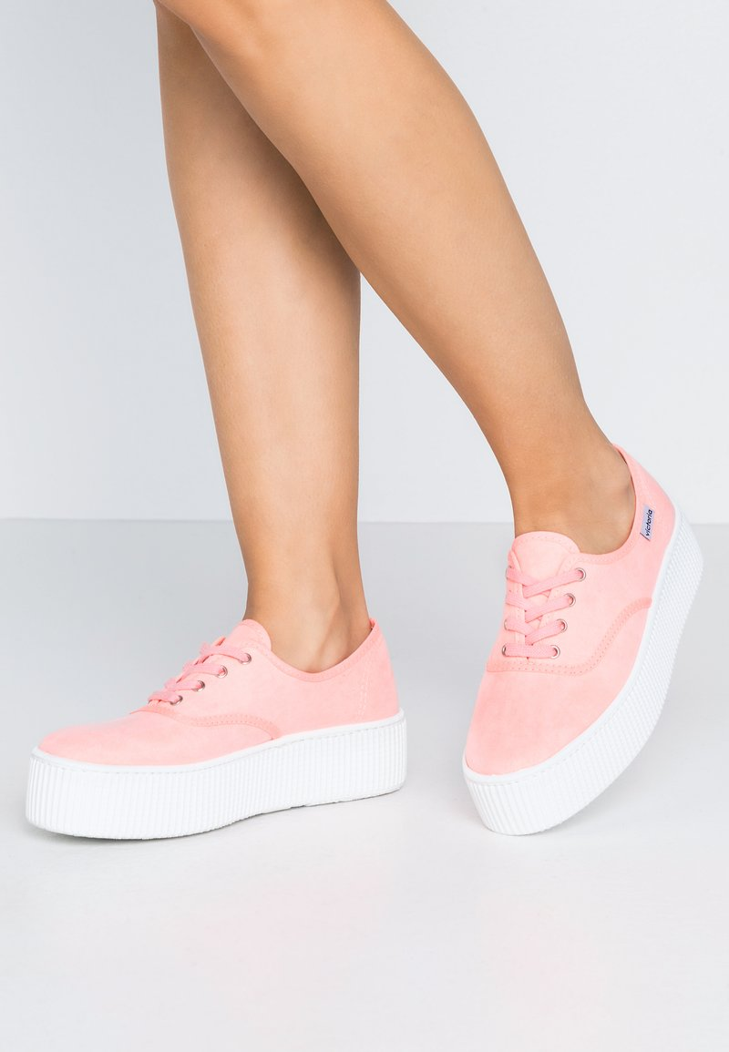 Victoria Shoes - Trainers - coral