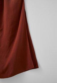 PULL&BEAR - Spodnie materiałowe - brown - 4