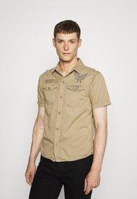 Schott - VICTORY - Shirt - army beige - 0