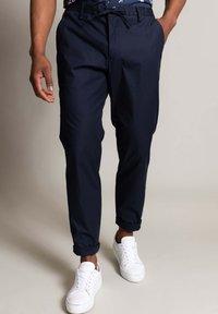 WORMLAND - Trousers - marine - 0