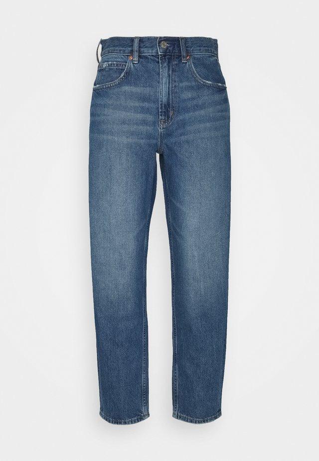 BARREL BURFORD - Relaxed fit jeans - medium indigo