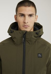 CHASIN' - Winter jacket - green - 4