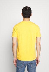 YMC You Must Create - WILD ONES POCKET TEE - T-shirt - bas - yellow - 2