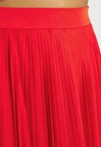 Vila - VIPLISS SKIRT - Plisovaná sukně - flame scarlet - 4