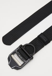 Urban Classics - TECH BUCKLE BELT - Pásek - black - 1