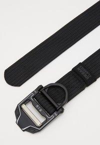 Urban Classics - TECH BUCKLE BELT - Belt - black - 1