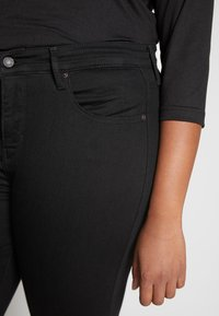 Levi's® Plus - SHPING - Jeans Skinny Fit - black no sugar - 5
