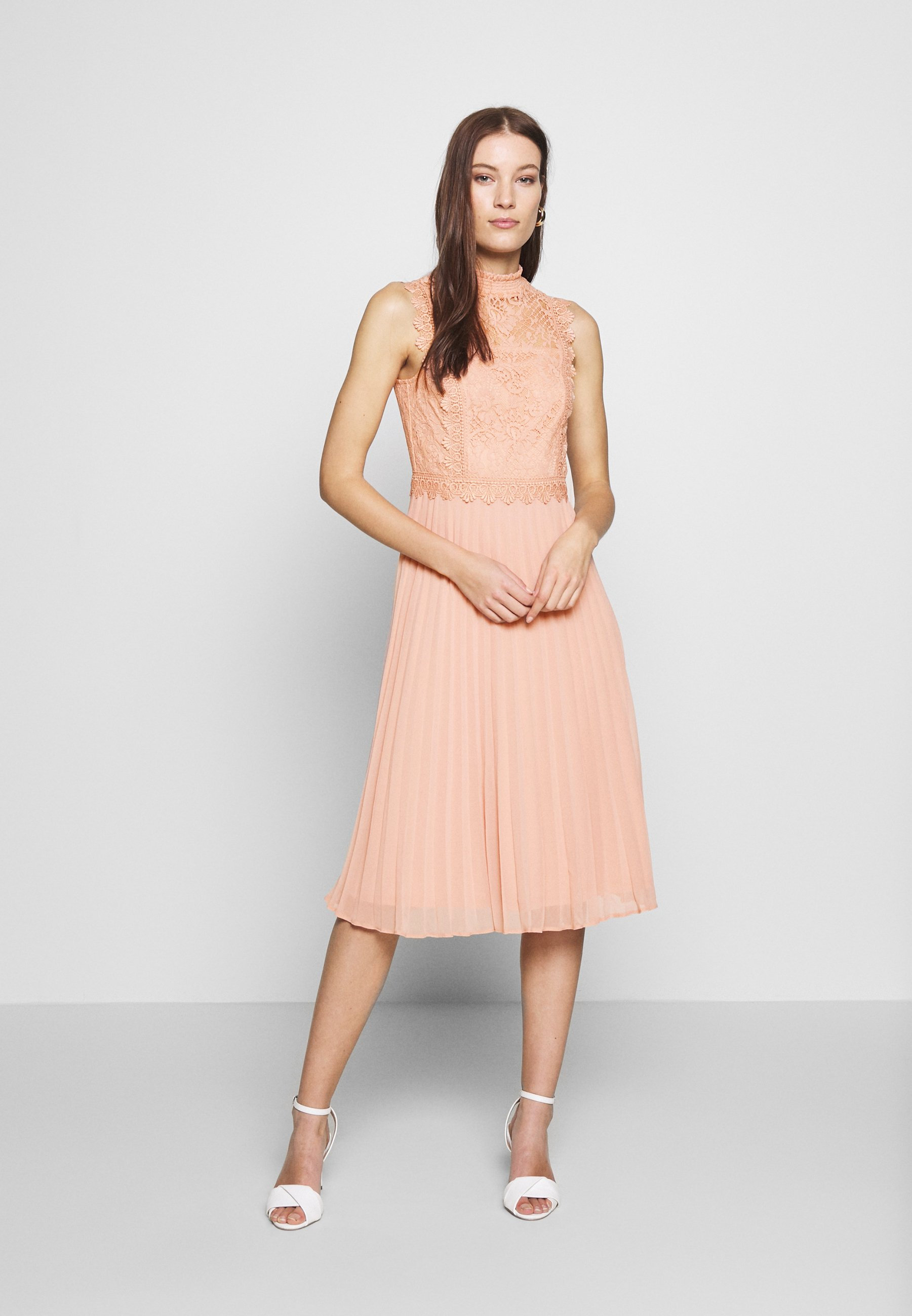 Dorothy Perkins Pleated Midi Dress Cocktailkleid Festliches Kleid Ecru Nude Zalando De