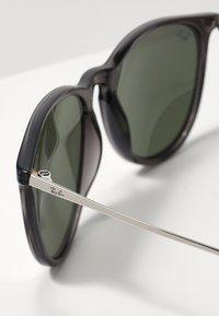 Ray-Ban - 0RB4171 ERIKA - Okulary przeciwsłoneczne - green mirror/silver-coloured - 2