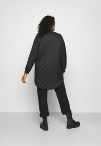 Vero Moda Curve - VMHAYLE 3/4 JACKET CURVE - Short coat - black - 2