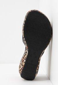 Ipanema - LIPSTICK STRAPS - Heeled mules - beige/black - 6