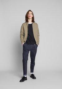 Calvin Klein Jeans - CONTRASTED RINGER TEE - Basic T-shirt - black/white - 1