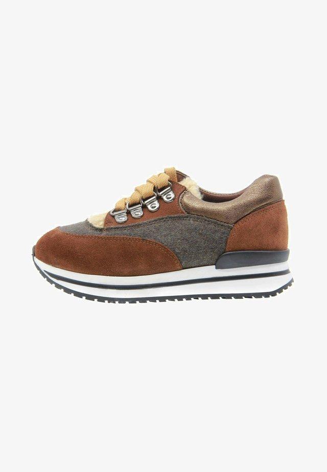 Sneakers basse - marrón