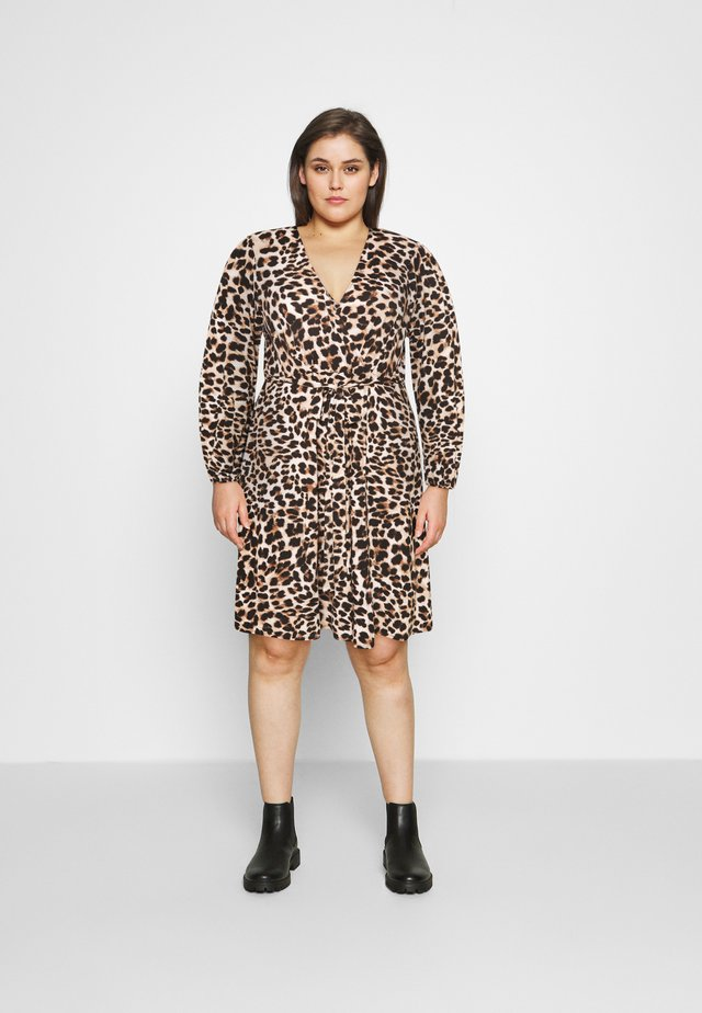 FRILL DRESS - Robe en jersey - beige/black