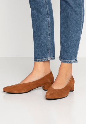 ALICIA - Classic heels - caramel