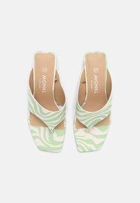 Monki - T-bar sandals - green dusty light - 4