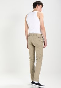 Dickies - SLIM SKINNY WORK PANT - Chino kalhoty - british tan - 2